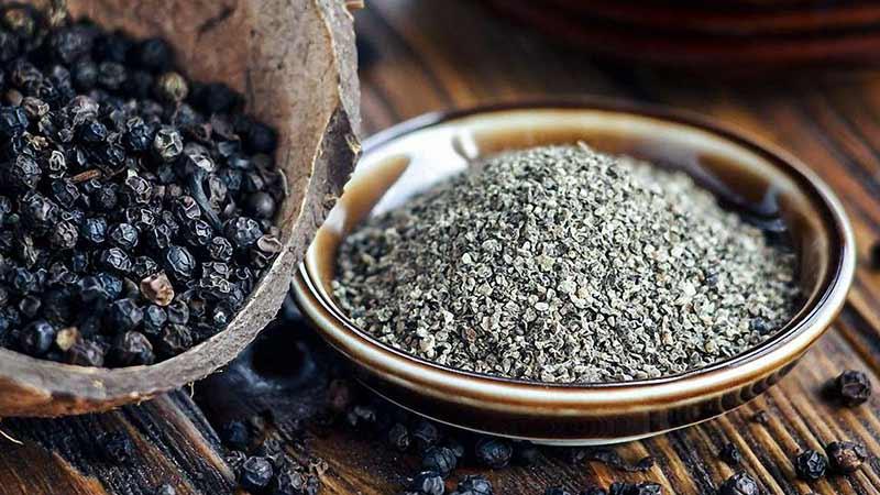 12 полезных свойств черного перца