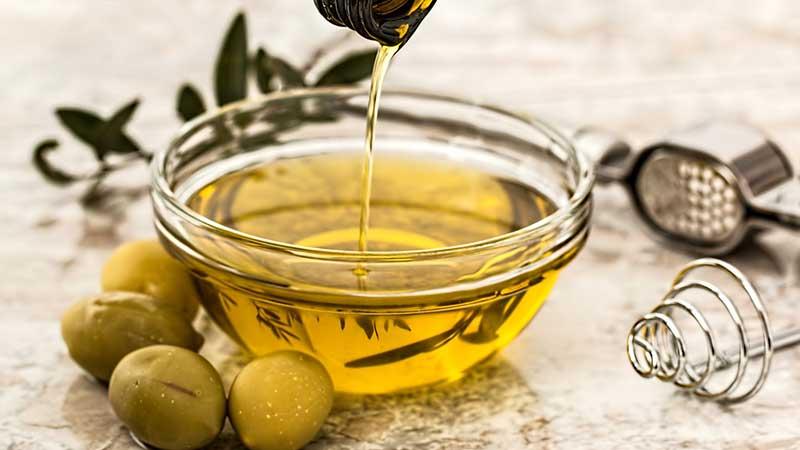 9 полезных свойств оливкового масла