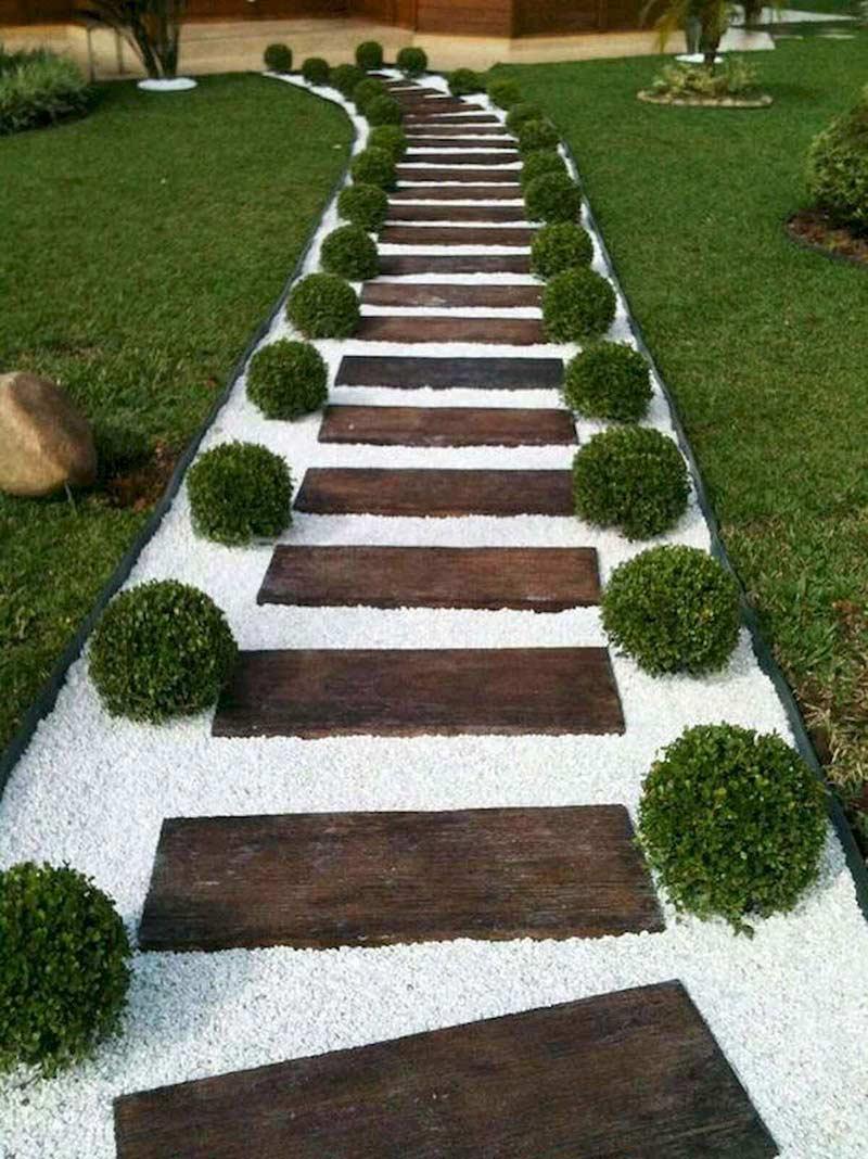 Настоящая парадная садовая дорожка