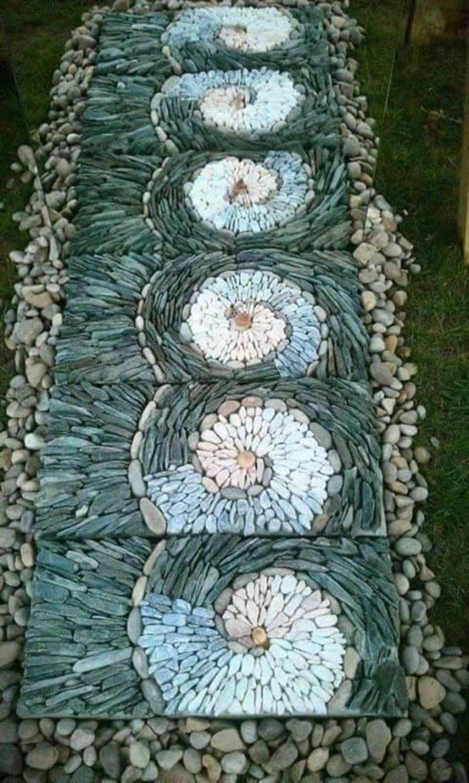 Садовая дорожка из гравия, уложенного вертикально