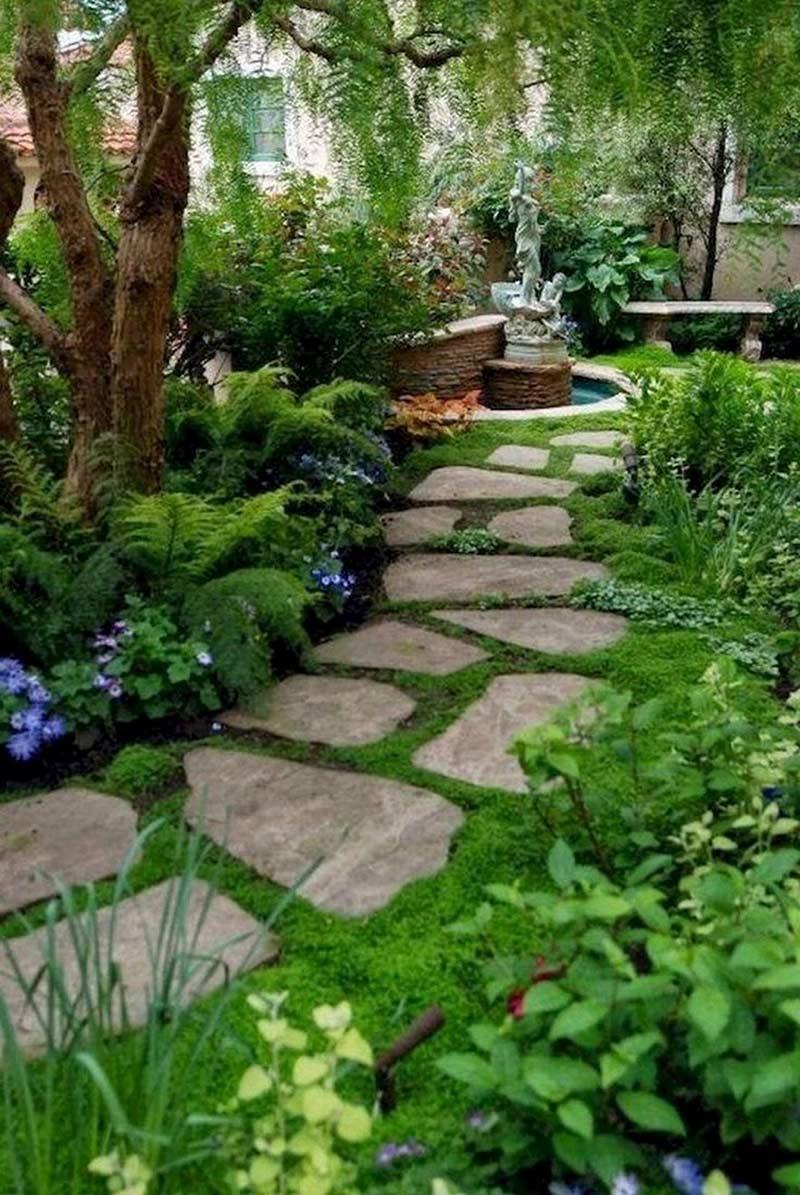 Садовая дорожка из натуральных камней