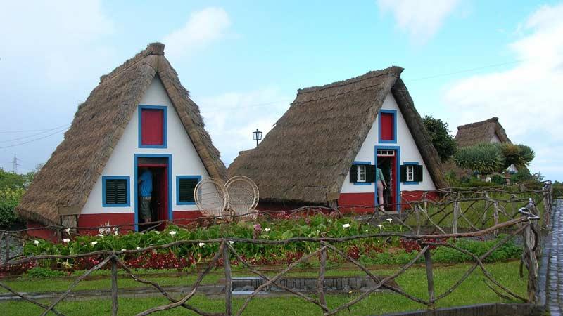 Зачем строить дом из соломы?